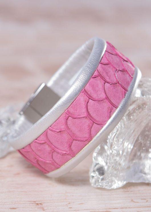 Leather Cuff Bracelet - Thin Peachy Fuchsia Scale