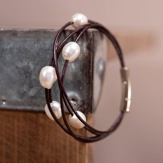 Floating Pearl Leather Bracelet - Brown